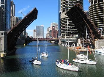 Chicago River near LaSalle courtesy of Wikipedia
