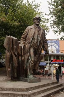 Statue of Vladimir Lenin in Seattle, Washington. Photo courtesy of Wikipedia