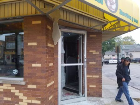 Fire closes El Famous Burrito in Summit