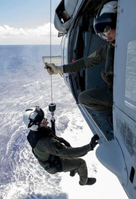 (U.S. Navy photo by Mass Communication Specialist 2nd Class Kelsey L. Adams/Released)
