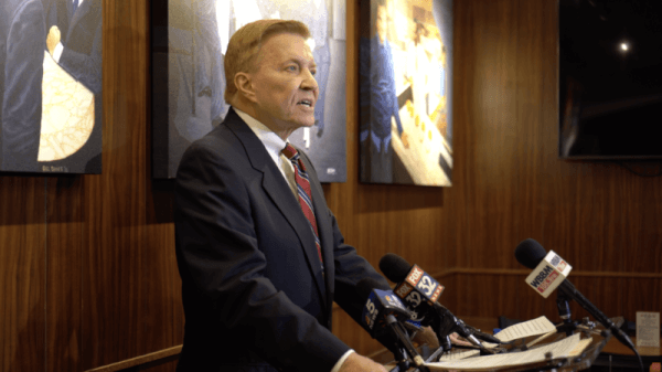 Bob Fioretti enters race to oust beleaguered States Attorney Kim Foxx