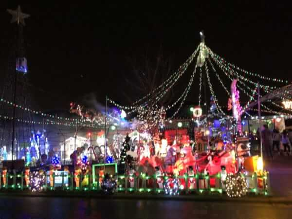 Tinley Park homes go all out with Christmas lighting