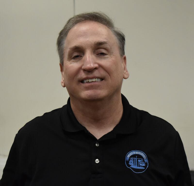 Bridgeview fire chief retires