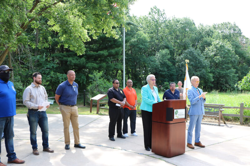President Preckwinkle kicks-off 8th Annual Juneteenth Celebration at Sand Ridge Nature Center
